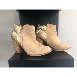 ✨Gold Glitter Aldo Ankle Boots✨
